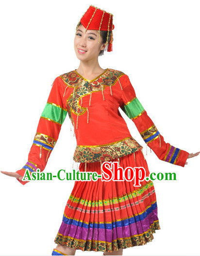 China Folk Yi Nationality Clothes and Hat for Women