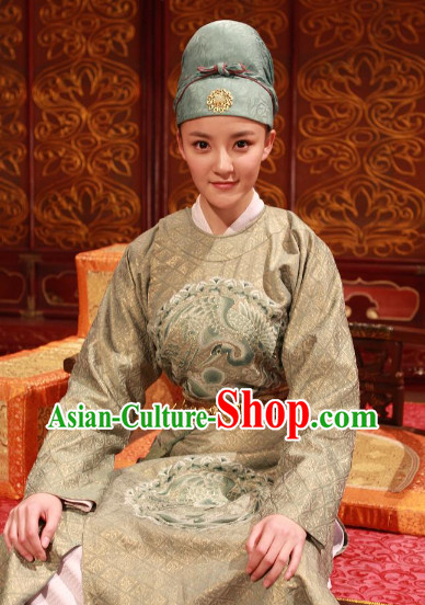 Tang Dynasty Celebrity Costumes and Hat