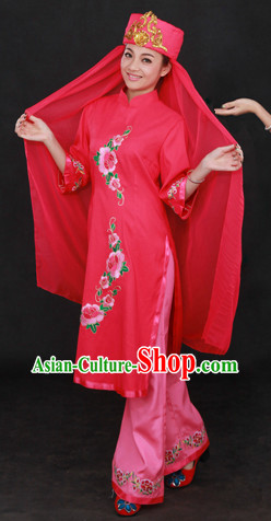 Chinese Hui Ethnic Minority Clothing and Hat for Women