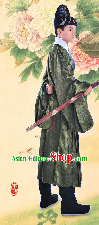 Ming Dynasty Hanfu Attire for Men