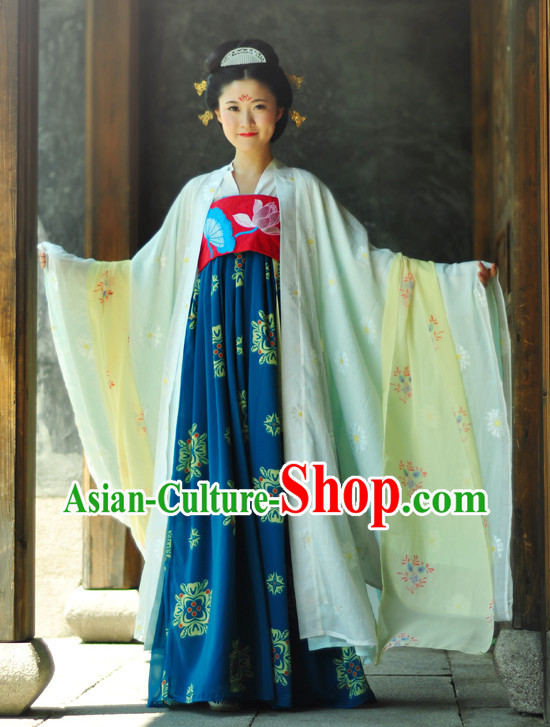 China Tang Princess Garment Clothing and Hair Accessories Complete Set