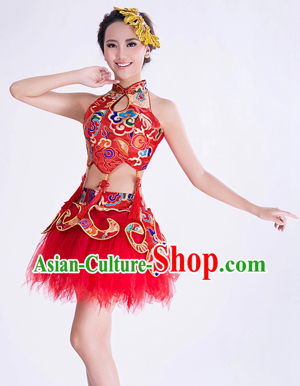 Chinese Dance Costumes and Hair Decorations