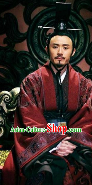 China Ancient Nobleman Costumes and Hat