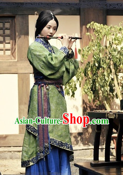 Chinese Green Quju Hanfu Garment for Women
