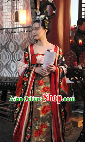 Chinese Traditional Tang Empress Clothes and Hair Accessories Complete Set