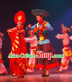 China Yunnan Lijiang Minority Ethnic Clothing and Hat for Men