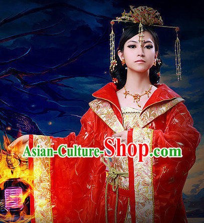 China Traditional Queen Costumes and Hair Accessories