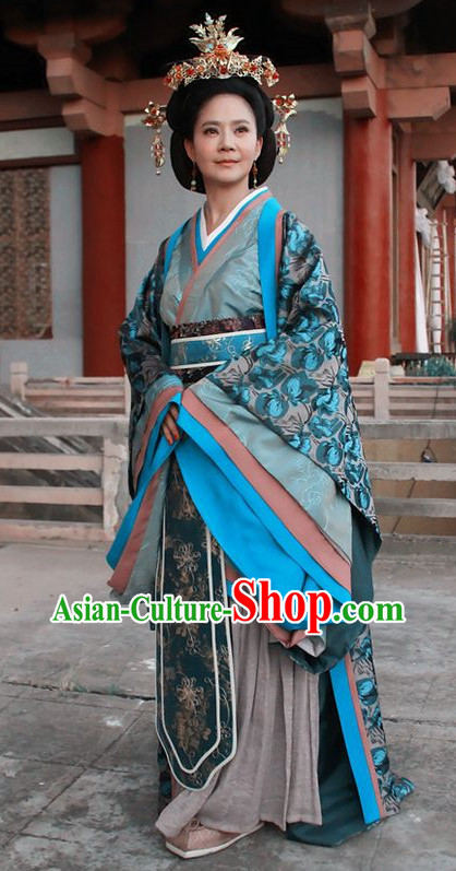 Chinese Traditional Queen Costume and Hair Accessories