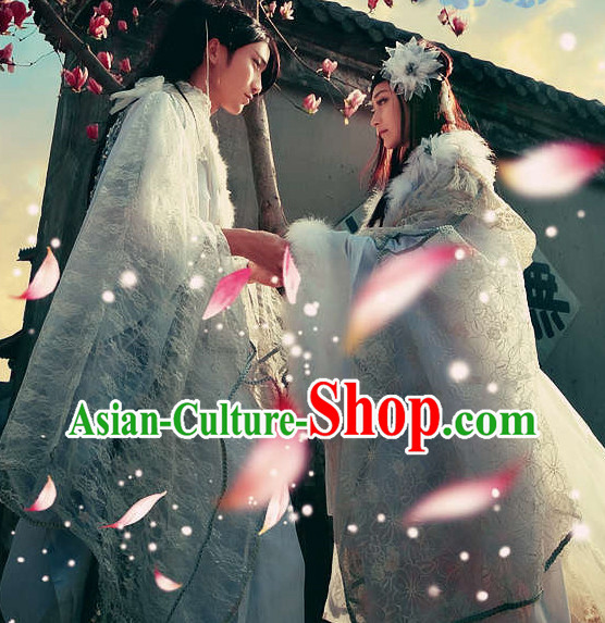 Pure White Wedding Dresses and Hair Accessories for Men and Women