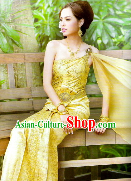 Formal Thai Traditional National Costumes for Women