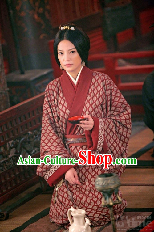 Chinese Ancient Princess Hanfu Robe and Hair Ornaments for Women