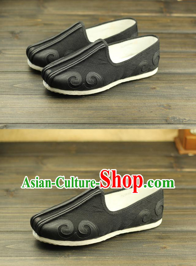 Black Handmade Chinese Traditional  Fabric Cloud Shoes Footwear