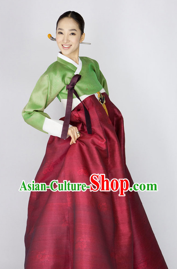 Traditional Korean Clothing for Lady