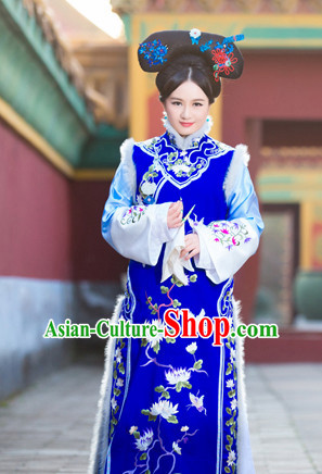 Chinese Traditional National Costumes Empress Long Robe Hair Accessories for Women