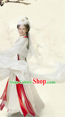 Chinese Traditional National Costumes White Dancing Costumes and Hat