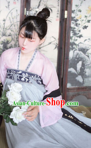 Ancient Chinese Tang Dynasty Clothing for Ladies