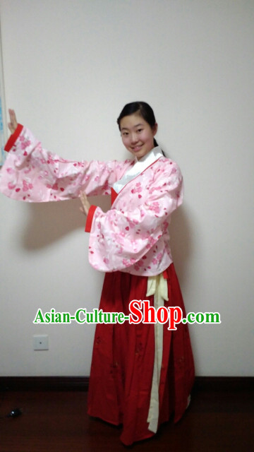 Ancient Chinese Ming Dynasty Clothing for Ladies