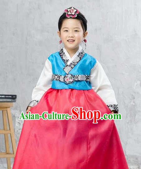 Korean Classic Hanbok Suit and Hair Accessories for Girls.