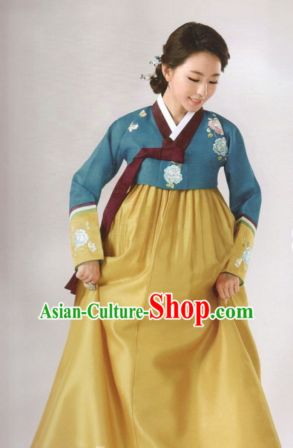Korean Fashion Trendy Hanbok and Hair Accessories Complete Set for Ladies