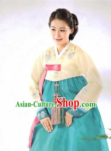 Korean Female Fashion Traditional Hanbok Suit