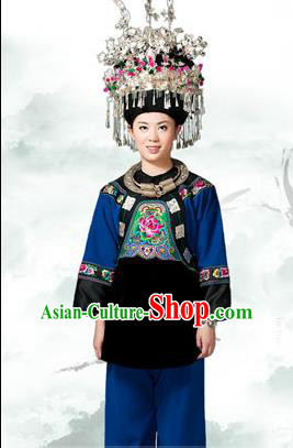 Traditional Chinese Miao Nationality Costume Accessories Crown, Necklace, Hmong Female Ethnic Dress and Phoenix Silver Headwear, Chinese Minority Nationality Embroidery Clothes and Hat for Women