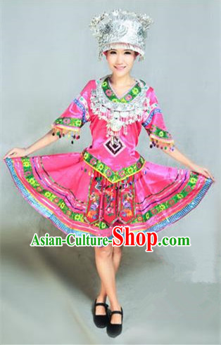 Traditional Chinese Dong Nationality Dancing Costume, Dongzu Female Folk Dance Ethnic Pleated Skirt, Chinese Dong Minority Nationality Embroidery Costume for Women