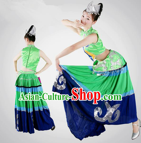 Traditional Chinese Yi Nationality Dancing Costume, Yizu Female Folk Dance Ethnic Dress, Chinese Minority Yi Nationality Embroidery Costume for Women