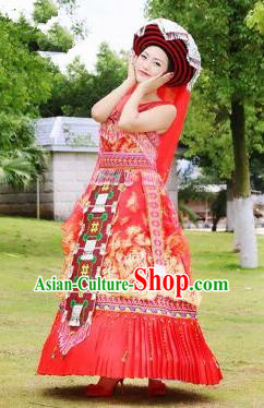Traditional Chinese Miao Nationality Improved Wedding Costume, Hmong Luxury Female Folk Dance Ethnic Bride Pleated Long Skirt, Chinese Minority Nationality Embroidery Costume for Women