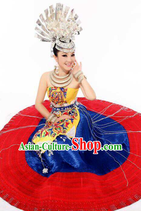 Traditional Chinese Miao Ethnic Clothing and Silver Hair Jewelry Complete Set for Women
