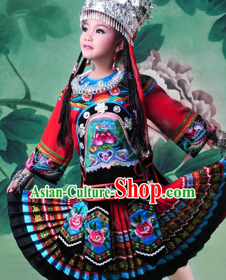Traditional Chinese Miao Ethnic Clothing and Silver Hat Complete Set for Children