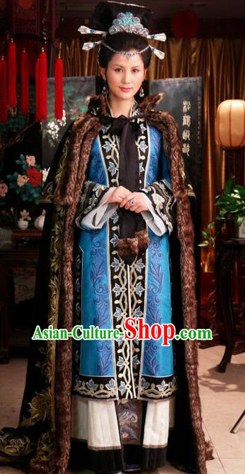Traditional Chinese Ancient Noblewoman Clothes and Headwear Complete Set