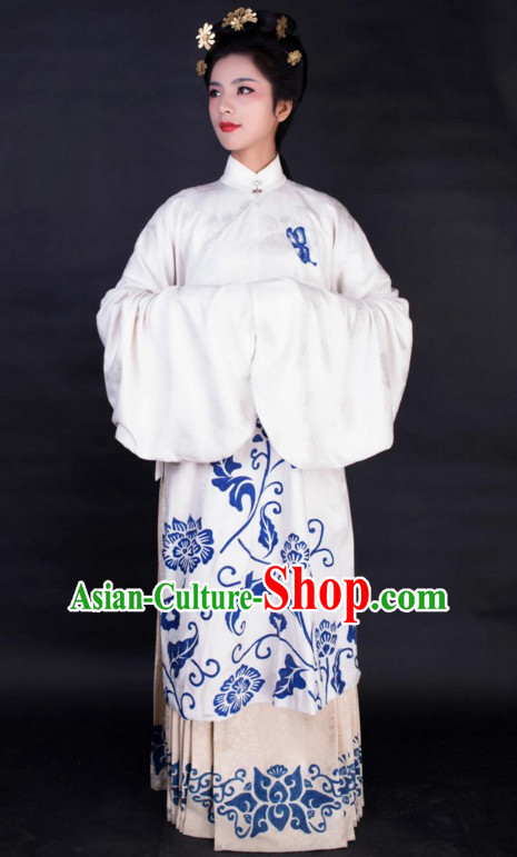 Chinese Ancient Beauty Garment Costumes and Hair Jewelry Complete Set for Women
