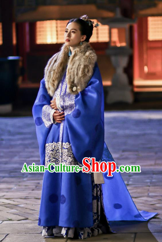 Asian Chinese Ming Dynasty Imperial Concubine Costume Traditional Ancient Palace Lady Embroidered Costume and Handmade Headpiece Complete Set
