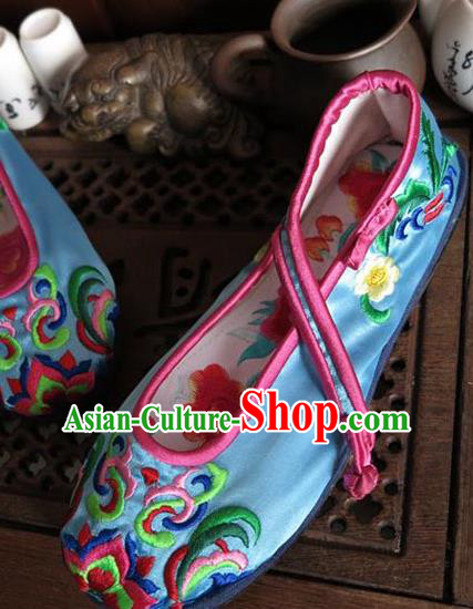 Asian Chinese Martial Arts Shoes Wedding Shoes Handmade Blue Embroidered Shoes, Traditional China Princess Shoes Hanfu Shoe for Women