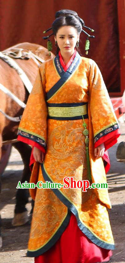 Asian China Qin Dynasty Palace Lady Costume and Headpiece Complete Set, Traditional Chinese Ancient Imperial Concubine Embroidered Clothing for Women