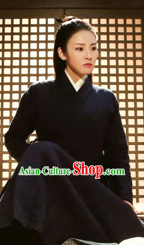 Asian China Han Dynasty Swordswoman Costume, Traditional Chinese Ancient Assassin Black Clothing for Women