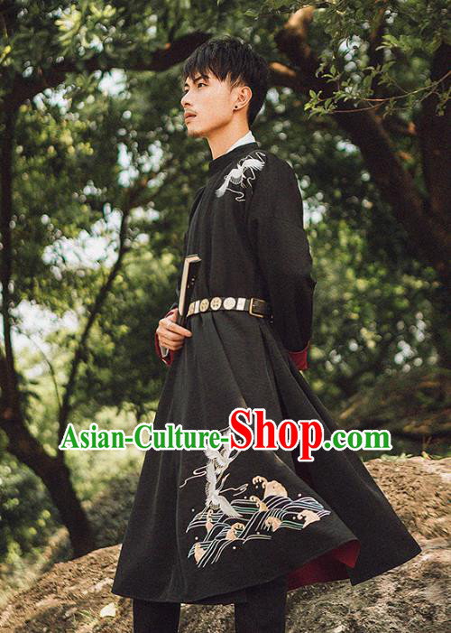 Asian China Tang Dynasty Swordsman Embroidered Costume, Traditional Ancient Chinese Elegant Hanfu Black Robe Clothing for Men