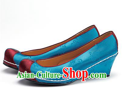 Traditional Korean National Wedding Embroidered Shoes, Asian Korean Hanbok Bride Embroidery Blue Satin Shoes for Women