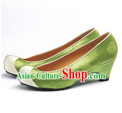 Traditional Korean National Wedding Green Embroidered Shoes, Asian Korean Hanbok Bride Embroidery Satin High-heeled Shoes for Women