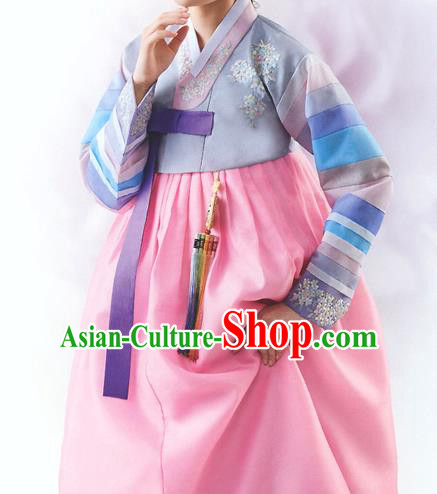Top Grade Korean National Handmade Wedding Palace Bride Hanbok Costume Embroidered Grey Blouse and Pink Dress for Women