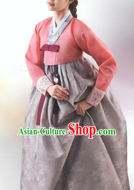 Top Grade Korean National Handmade Wedding Palace Bride Hanbok Costume Embroidered Red Blouse and Grey Dress for Women