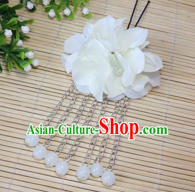 Traditional Chinese Ancient Classical Hair Accessories White Flowers Beads Tassel Step Shake Bride Hairpins for Women