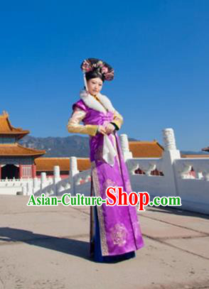 Traditional Ancient Chinese Manchu Costume, Chinese Qing Dynasty Manchu Palace Lady Dress, Cosplay Chinese Mandchous Imperial Concubine Embroidered Clothing for Women