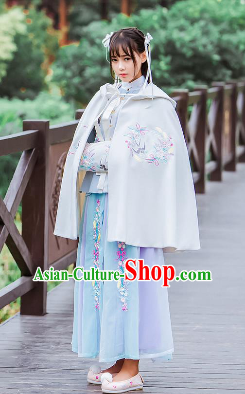 Traditional Ancient Chinese Female Costume Woolen Cardigan, Elegant Hanfu Short Cloak Chinese Ming Dynasty Palace Lady Embroidered Swallow Hooded White Cape Clothing for Women