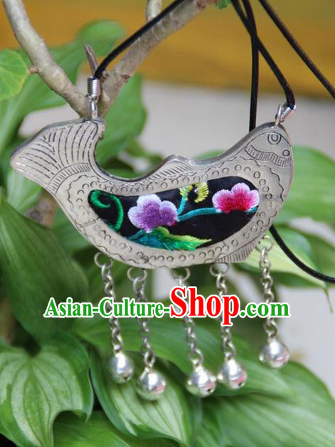 Traditional Chinese Miao Nationality Crafts, Hmong Handmade Miao Silver Embroidery Fish Pendant, Miao Ethnic Minority Necklace Accessories Bells Pendant for Women