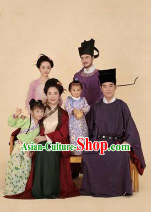 Traditional Ancient Chinese Family Costume Complete Set, Chinese Tang Dynasty Parent-Child Pregnant Woman Dress, Cosplay Chinese Family Portrait Clothing Hanfu 6 Items for Women for Men for Children