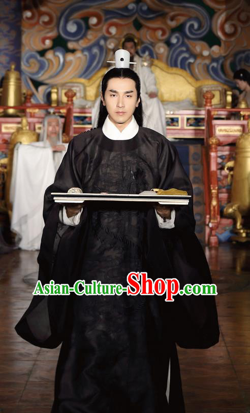 Traditional Ancient Chinese Nobility Childe Costume, Elegant Hanfu Male Lordling Dress, Han Dynasty Swordsman Clothing, China Imperial Crown Prince Embroidered Black Clothing for Men