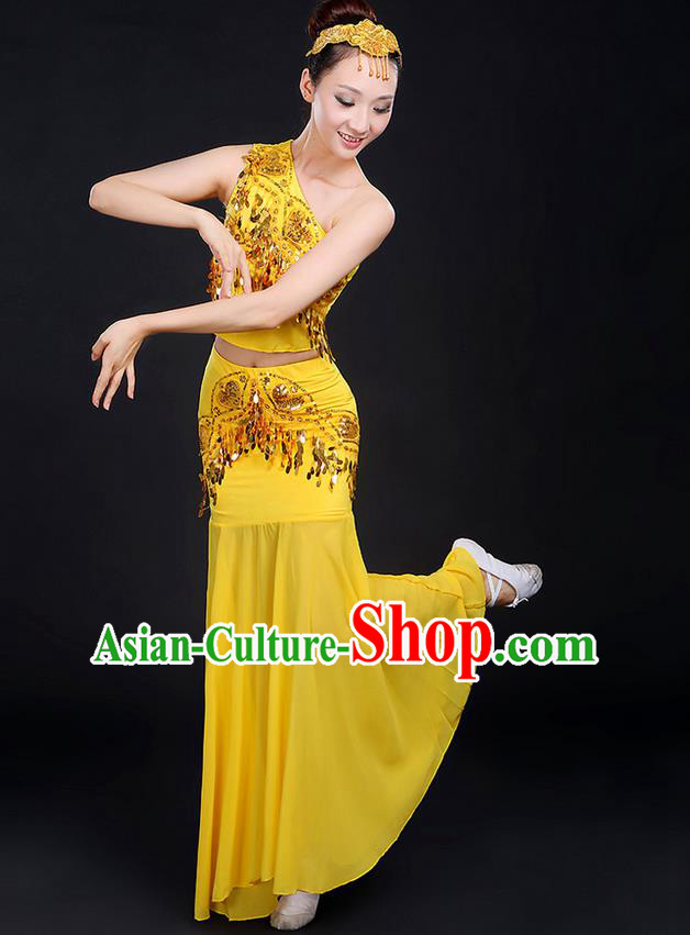 Traditional Chinese Dai Nationality Peacock Dancing Costume, Folk Dance Ethnic Paillette Dress, Chinese Minority Nationality Classic Dance Yellow Costume for Women
