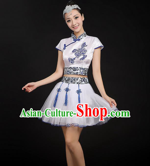 Traditional Chinese Yangge Fan Dancing Costume, Folk Dance Yangko Blue and White Porcelain Flowers Uniforms, Classic Dance Bubble Dress Drum Dance Mandarin Collar Clothing for Women
