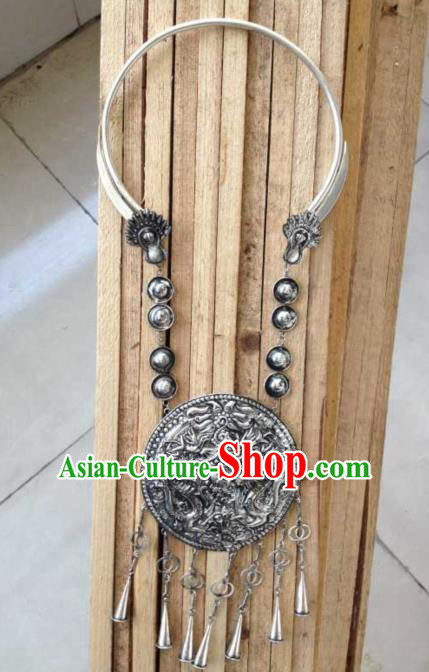 Traditional Chinese Miao Nationality Accessories Necklace, Hmong Female Miao Sliver Necklet for Women